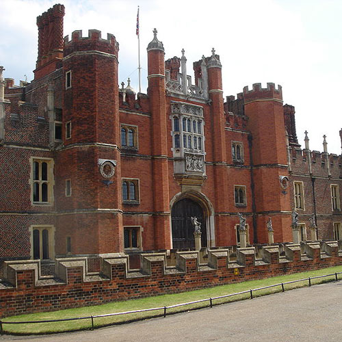 Answer HAMPTON COURT