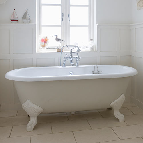 Answer ROLL TOP BATH
