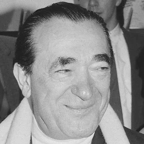 Answer ROBERT MAXWELL
